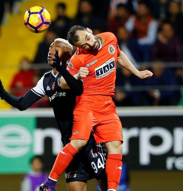 Aytemiz Alanyaspor-Beşiktaş karşılaşmasından kareler