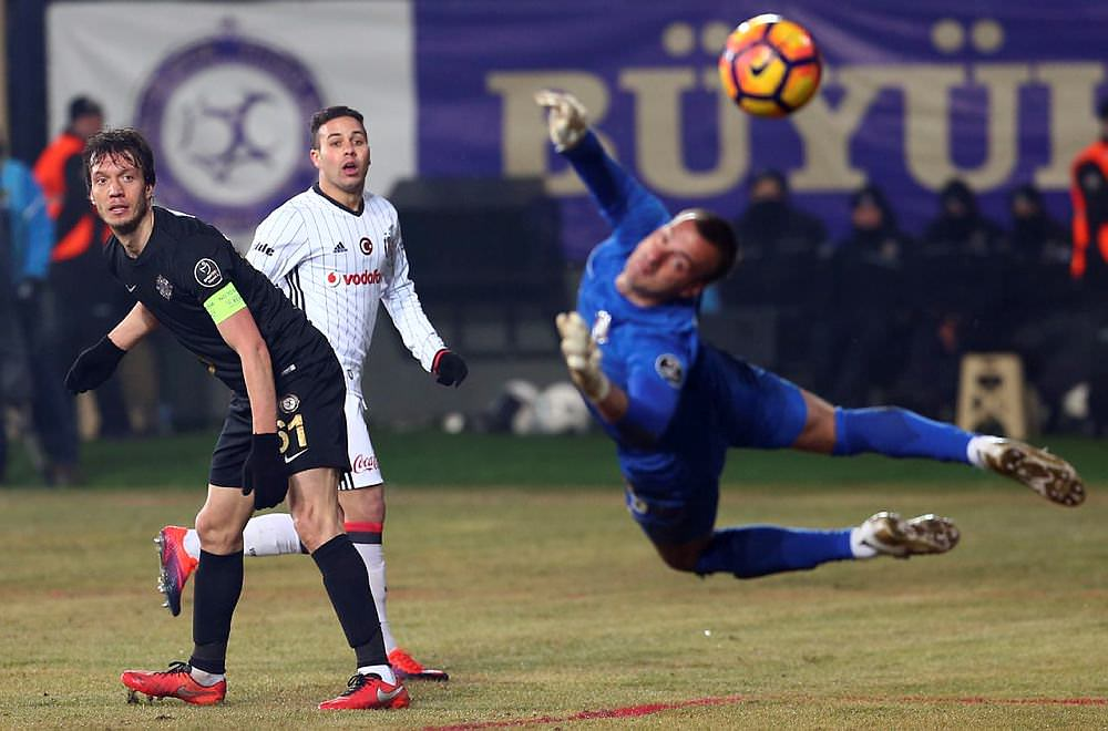 Beşiktaş'ın yıldızı İngiltere'ye transfer oldu