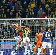 Fenerbahçe-Medipol Başakşehir karşılaşmasından kareler
