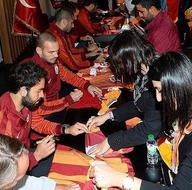 Galatasaray, taraftarlarla buluştu