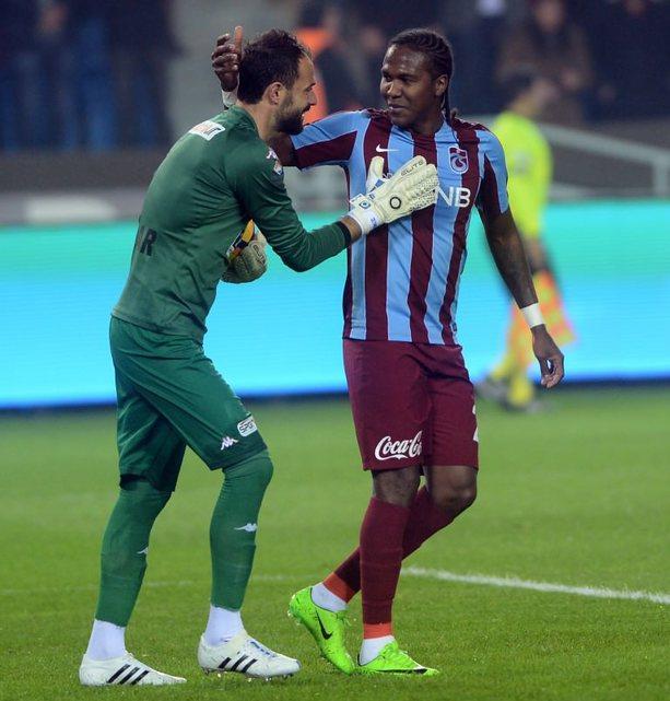 Trabzonspor-Aytemiz Alanyaspor karşılaşmasından kareler